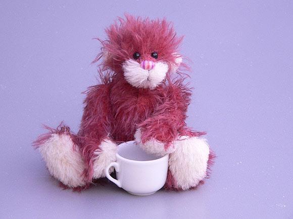Schnittmuster und Bastelpackungen für Teddybären und andere Plüschtiere